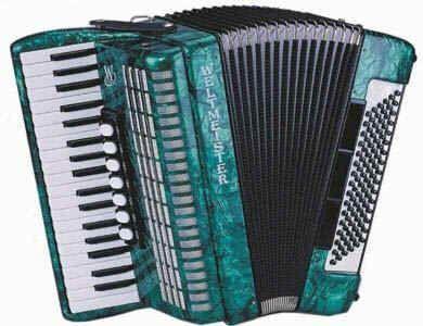 Weltmeister OPAL - 96  Akkordeon grün, 37/96/III/7, 18mm Tastatur