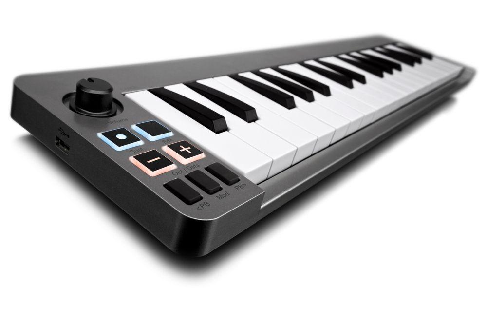 M-Audio KEYSTATION MINI 32 MKIII USB/MIDI Controller Keyboard