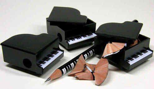 Bleistift-Spitzer in Flügel-Form, sehr schönes Geschenk für junge Musiker, schwa