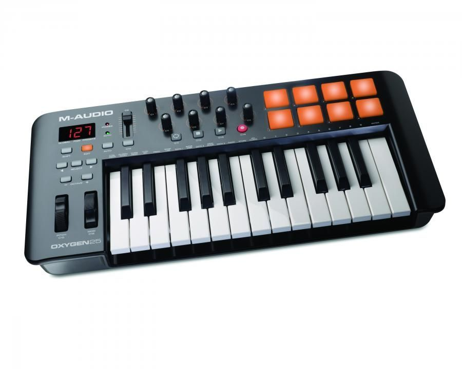 M-Audio OXYGEN 25 MK4  USB/MIDI Controller Keyboard mit 8 Triggerpads