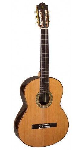 Admira A 40S Artesania  in Spanien gefertigte 4/4 Konzertgitarre